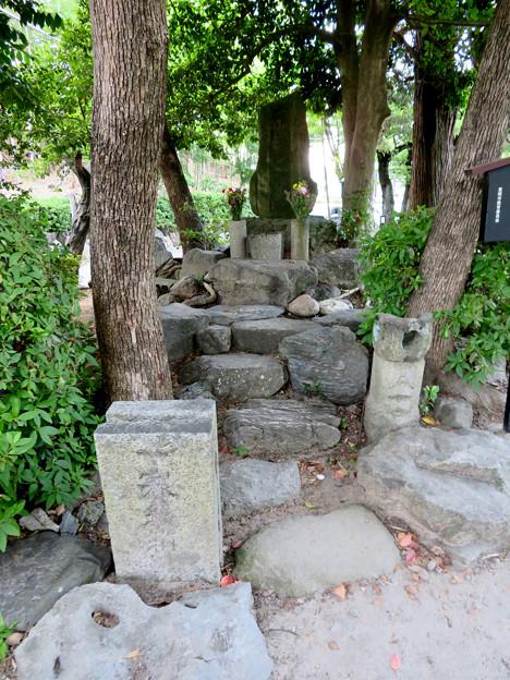 桶狭間古戦場 - 16:今川義元の墓