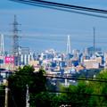 写真: 桃花台から見えた名港中央大橋(名港トリトン)と中部電力千代田ビル - 1