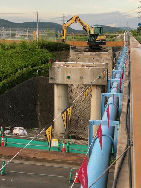 桃花台線の旧車両基地進入高架撤去工事(2018年6月18日):反対側の撤去も開始 - 3