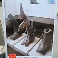 犬山城前に設置されてた城とまちミュージアムの看板に歴代シャチホコの写真 - 2