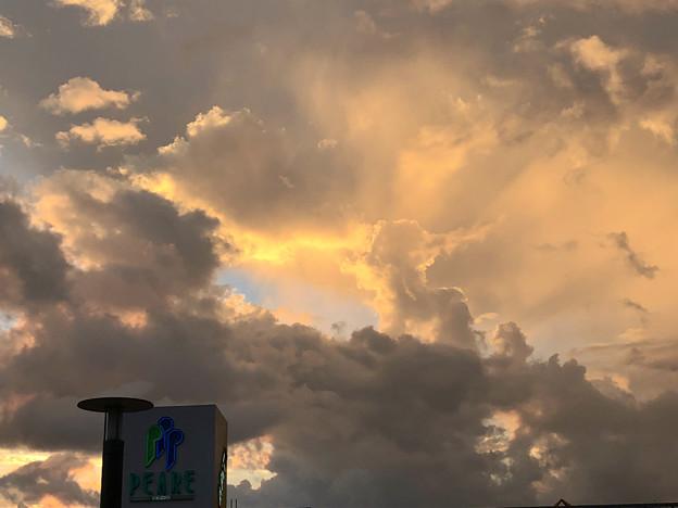 夕立ちの様な雨が降った後の夕焼け - 4