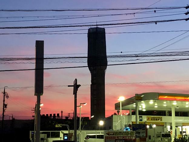 春日井市西山町に妖しげな塔!?(たぶん携帯の電波塔) - 2