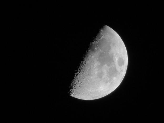 SX730HSで撮影した半月(2018年7月20日) - 3