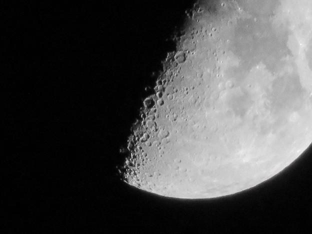 SX730HSで撮影した半月(2018年7月20日) - 5