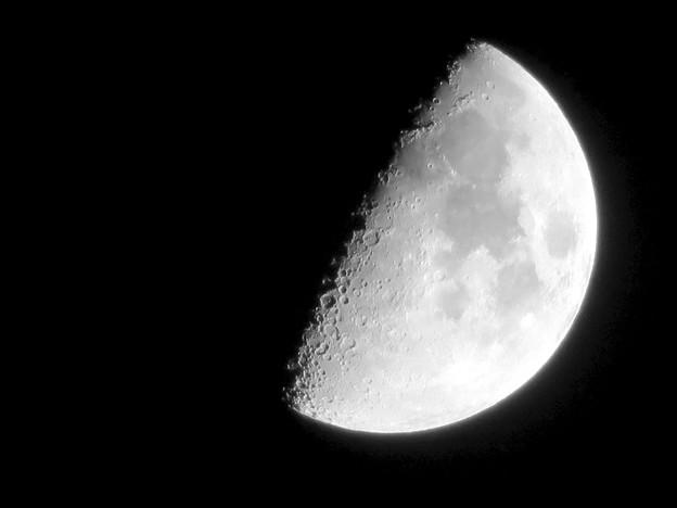 SX730HSで撮影した半月(2018年7月20日) - 6