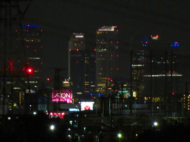 国道19号沿いから見た名駅ビル群と名古屋城 - 1