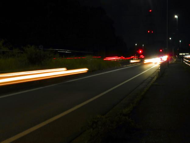 SX730HS:花火モードで撮影した車のライトの軌跡 - 4
