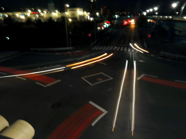 SX730HS:花火モードで撮影した車のライトの軌跡 - 11