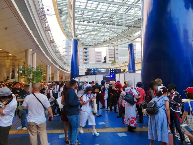 世界コスプレサミット 2018:コスプレイヤーの人たちで賑わうオアシス21会場 - 5
