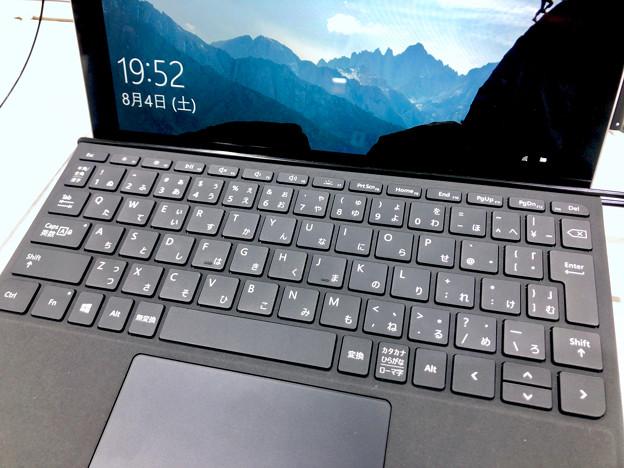 店頭展示が始まったばかりの「Surface Go」 - 6:キーボード