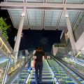 ゲートタワー地下1階から1階へと上るエスカレーター - 2