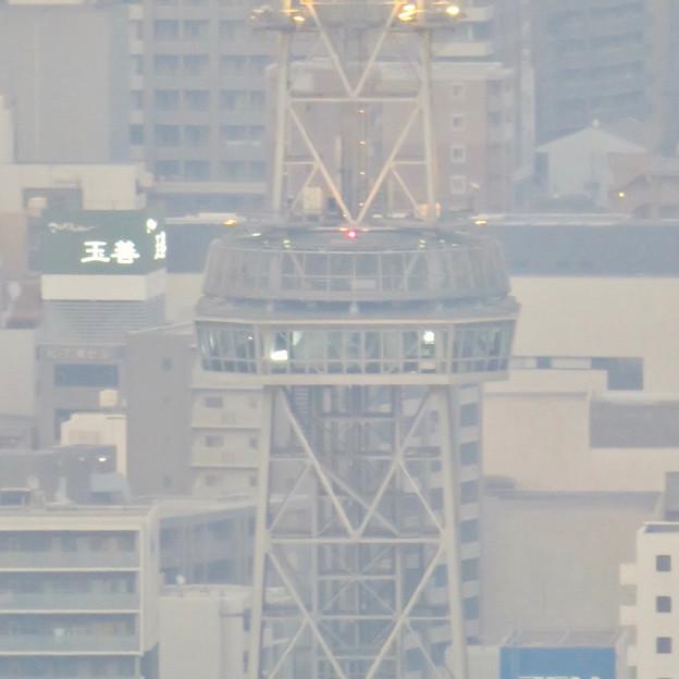 スカイプロムナードから見た景色 - 7:光化学スモッグで見通しが悪かった名古屋テレビ塔