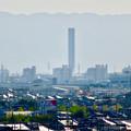 写真: 落合公園 水の塔から見た景色 - 21:三菱電機稲沢製作所のエレベーター試験棟