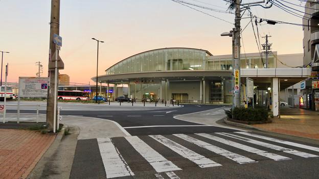 夕暮れ時のJR春日井駅 - 1