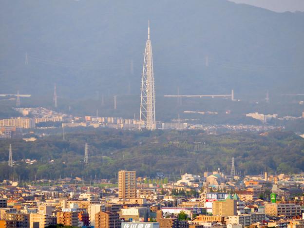 東山スカイタワーから見た景色:瀬戸デジタルタワー - 1