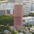 東山スカイタワーから見た景色:名古屋高速の地下部分から空気を出し入れするための巨大ファン? - 1