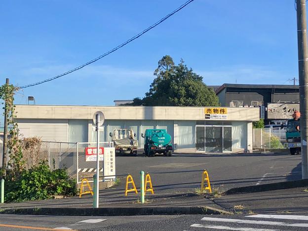 売りに出されていた国道19号沿いの旧ファミマの建物(春日井坂下店) - 2