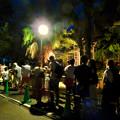 Photos: 東山動植物園ナイトZoo 2018 No - 62:ライオンを見ようと並ぶ人たち