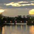 夕焼けをバックにそそり立つ雲の柱 - 1