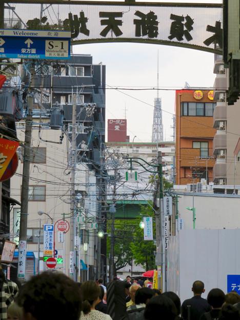 大須商店街アーケード内から見えた名古屋テレビ塔 - 1