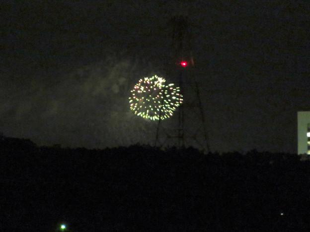 桃花台ニュータウン内から見えた「せともの祭」の花火 - 1