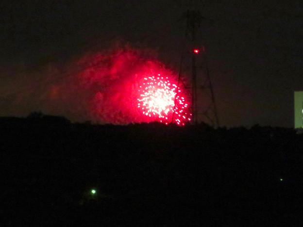 桃花台ニュータウン内から見えた「せともの祭」の花火 - 3