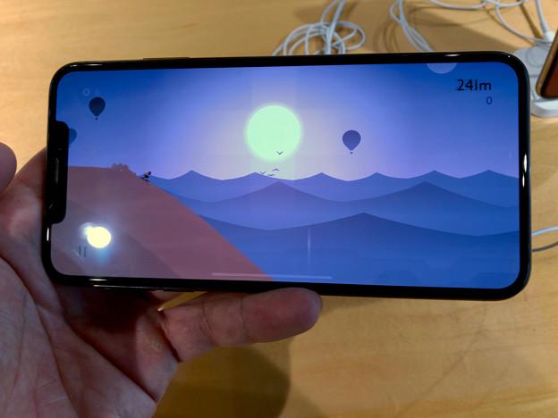iPhone XS Max No - 6:ゲームをランドスケープモードで表示
