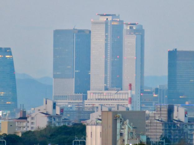 金城ふ頭駐車場から見た景色 - 6:名駅ビル群