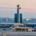 Photos: 金城ふ頭駐車場から見た景色 - 8:風速などを表示する建物?