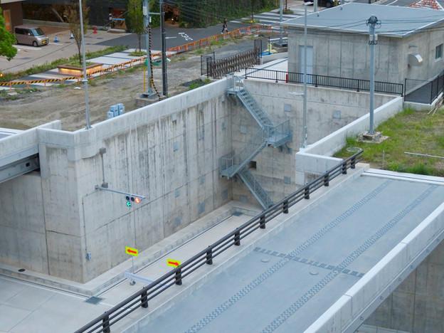 ささしまライブ24:笹島線と椿町線の交差部分周辺 - 11(交差点に設置されてる非常階段?)