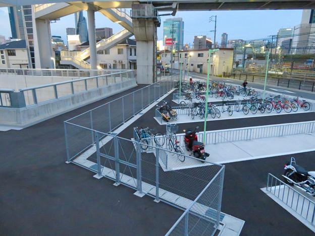 椿町線の「ささしまライブ24」北側の出入口周辺 - 1:駐輪場