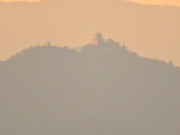 県営岩崎住宅から見た夕暮れ時の岐阜城・金華山 - 9