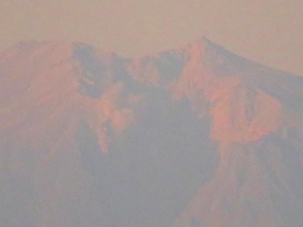 県営岩崎住宅から見た夕暮れ時の御嶽山 - 10:山頂部