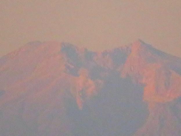 県営岩崎住宅から見た夕暮れ時の御嶽山 - 11:山頂部