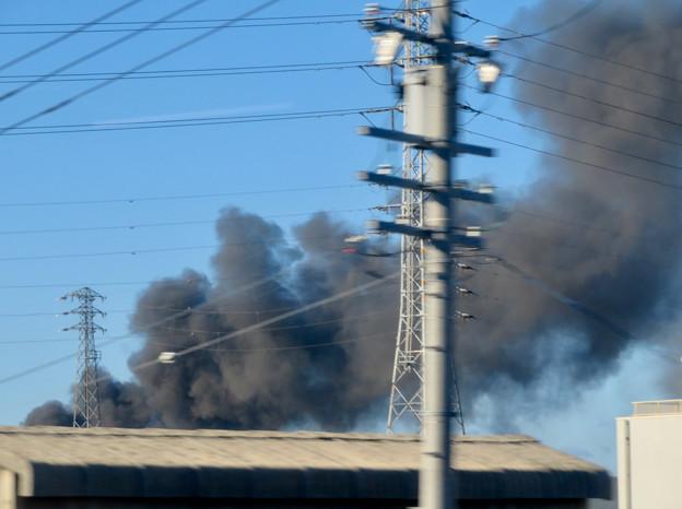 東名高速走行中の高速バスから撮影した国盛化学の火事 - 37