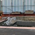 桃花台線の桃花台東駅周辺撤去工事(2018年10月14日) - 3:駅前の花壇が解体