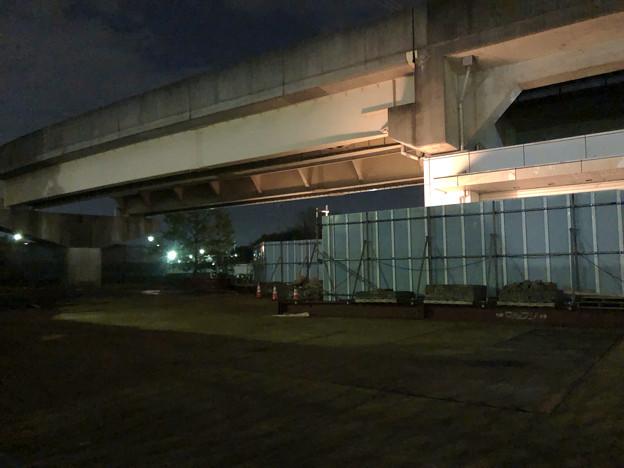 桃花台線の桃花台東駅周辺撤去工事(2018年10月16日) - 2:駅前の花壇が撤去