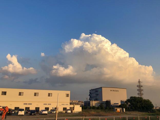 久しぶりに暖かかった秋の日、夏のような雲(2018年10月18日) - 1