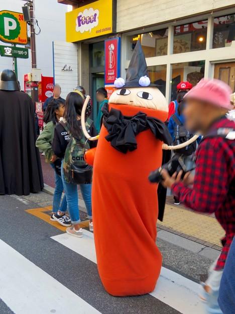 大須商店街:赤門28祭りの「大須赤門28コスプレ」にいた謎のキャラ