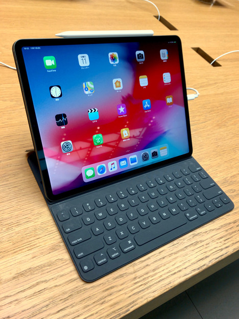 iPad Pro 12.9インチ 2018 No - 1:キーボードケース接続時