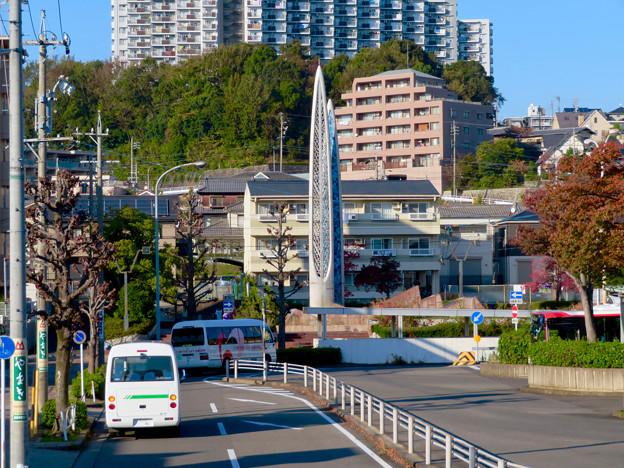 高蔵寺駅ホームから見た駅前シンボルの塔(?) - 2