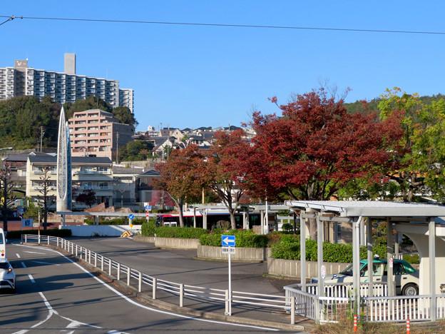 高蔵寺駅ホームから見た駅前シンボルの塔(?) - 4