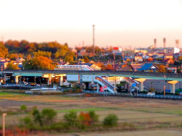 フレッシュパークの展望台から見た旧・桃花台線 上末駅 - 2(ミニチュアライズ)