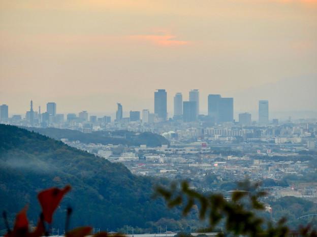 定光寺展望台から見た景色:名駅ビル群 - 9