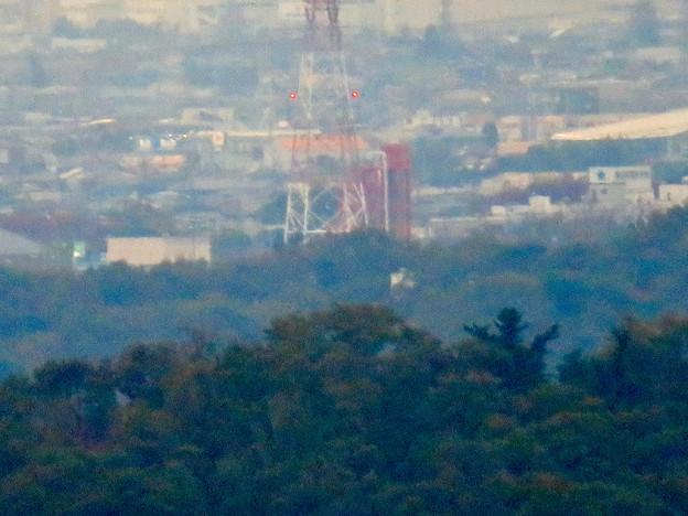 定光寺展望台から見た景色:落合公園水の塔 - 1