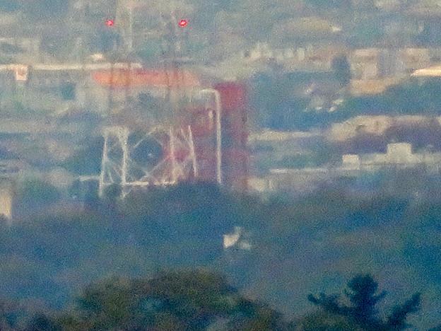 定光寺展望台から見た景色:落合公園水の塔 - 2