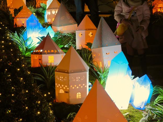 星が丘テラスのクリスマス・イルミネーション 2018 No - 6:FFにでてきそうなクリスタル