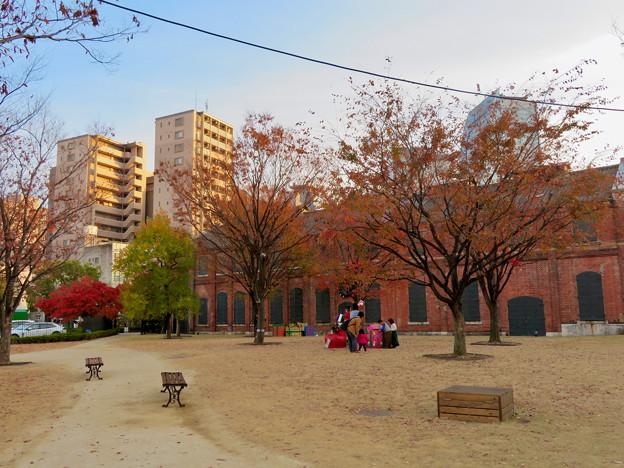 写真: 秋のノリタケの森 - 18