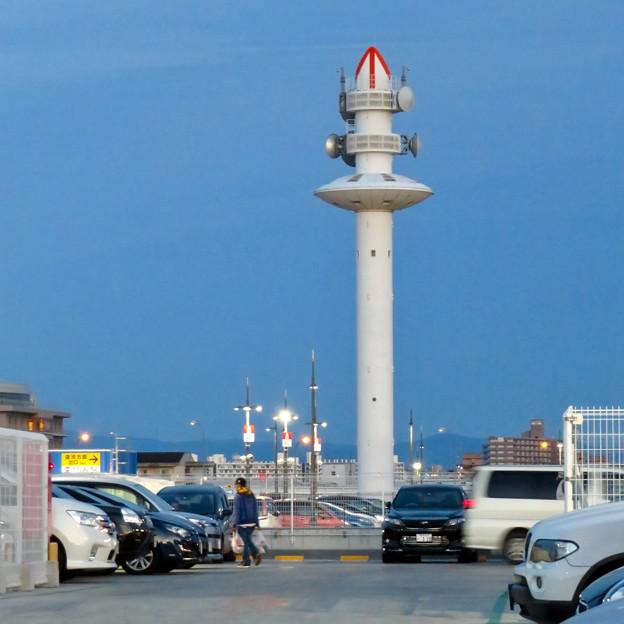 ららぽーと名古屋みなとアクルス駐車場から見た景色 - 8:港区役所の通信電波塔
