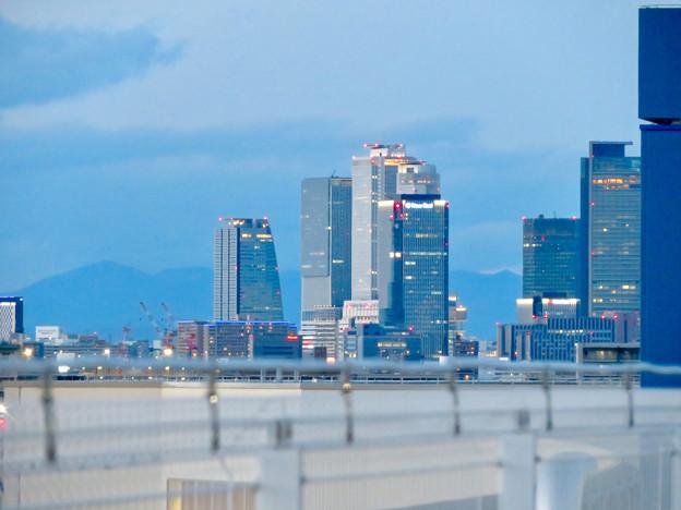 ららぽーと名古屋みなとアクルス駐車場から見た景色 - 10:名駅ビル群